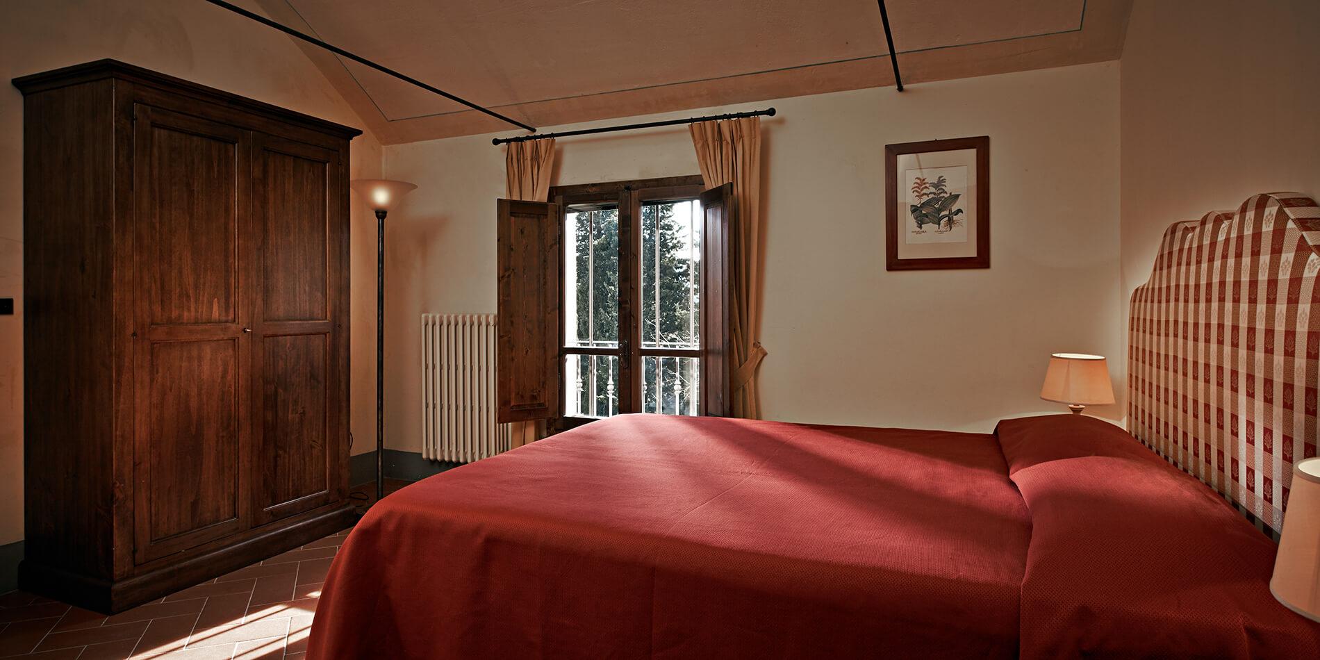Gambassi Tavoli E Sedie.Appartamento Vacanze Attrezzato Cipresso Residenza Il Castagno